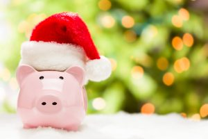 Find out how you can cut the cost of Christmas with this bumper selection of tips to make the most of your Christmas budget!